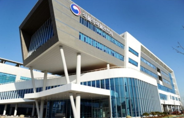제약산업 질적 수준을 향상시키고 국제 경쟁력을 강화하기 위한 방안으로 민간 분야의 임상시험 종사자와 의약품 규제업무 전문가를 대거 양성하는 프로그램이 운영된다.